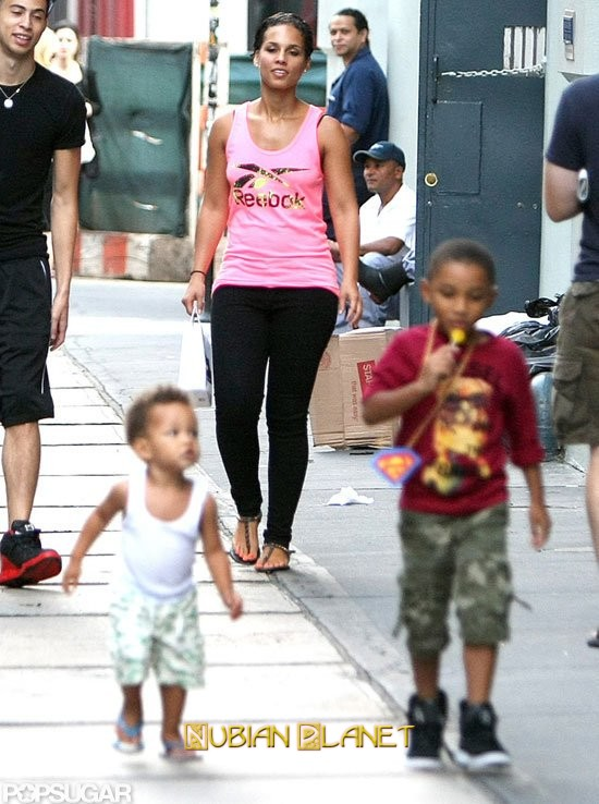 alicia keys lets her boys paint their nails